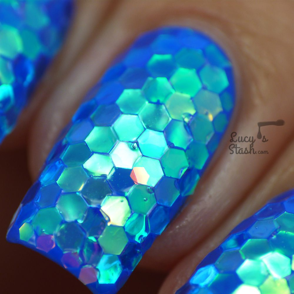 Ooops, did I just put mermaids in shame? Mermaid Glitter Nails