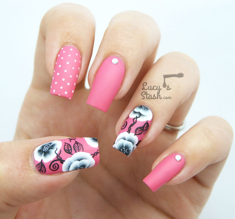 Black & White One Stroke Flower Nail Art
