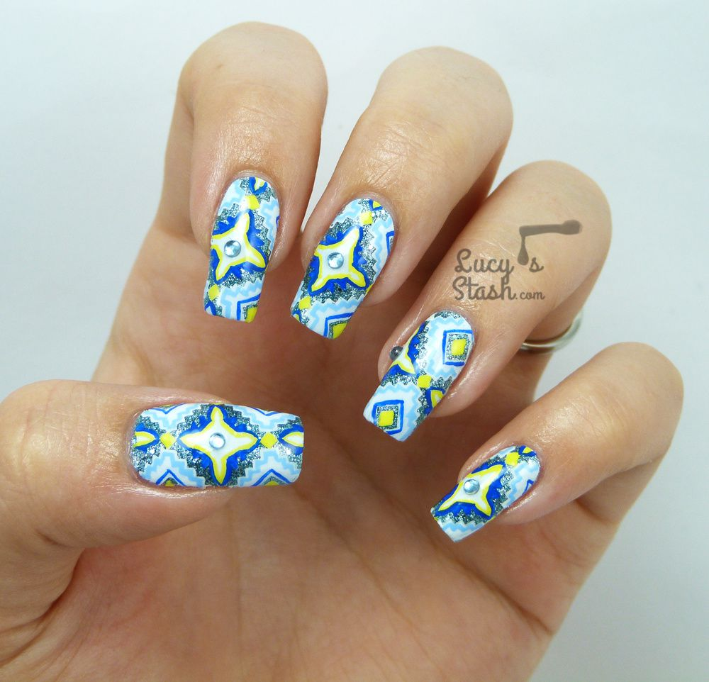 Aztec Print Nail Art | Stamp-paint method