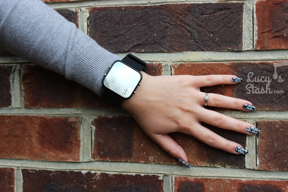 Review: 1:Face Watch - Changing the world 1:Face at a time