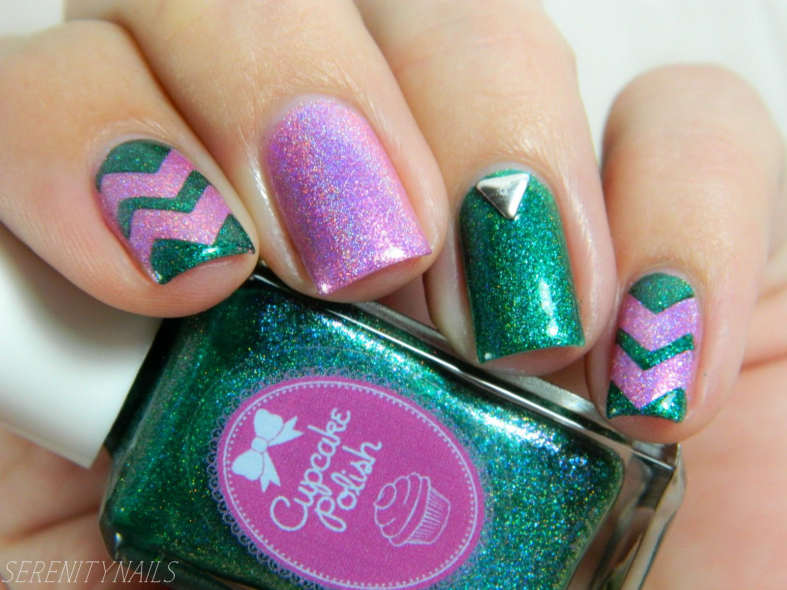 Guest Post: Chevron Nail Art from Christine aka Serenity Nails