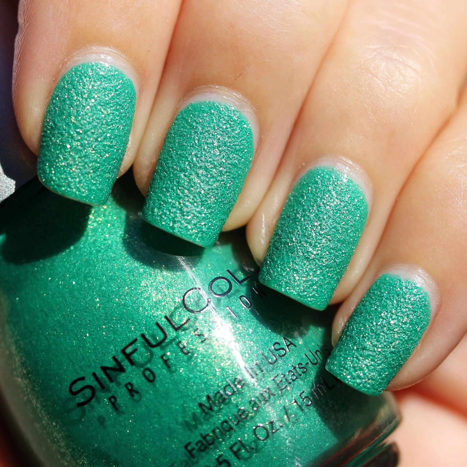 Essie Proteined Base Coat / Sinful Colors Emerald Envy