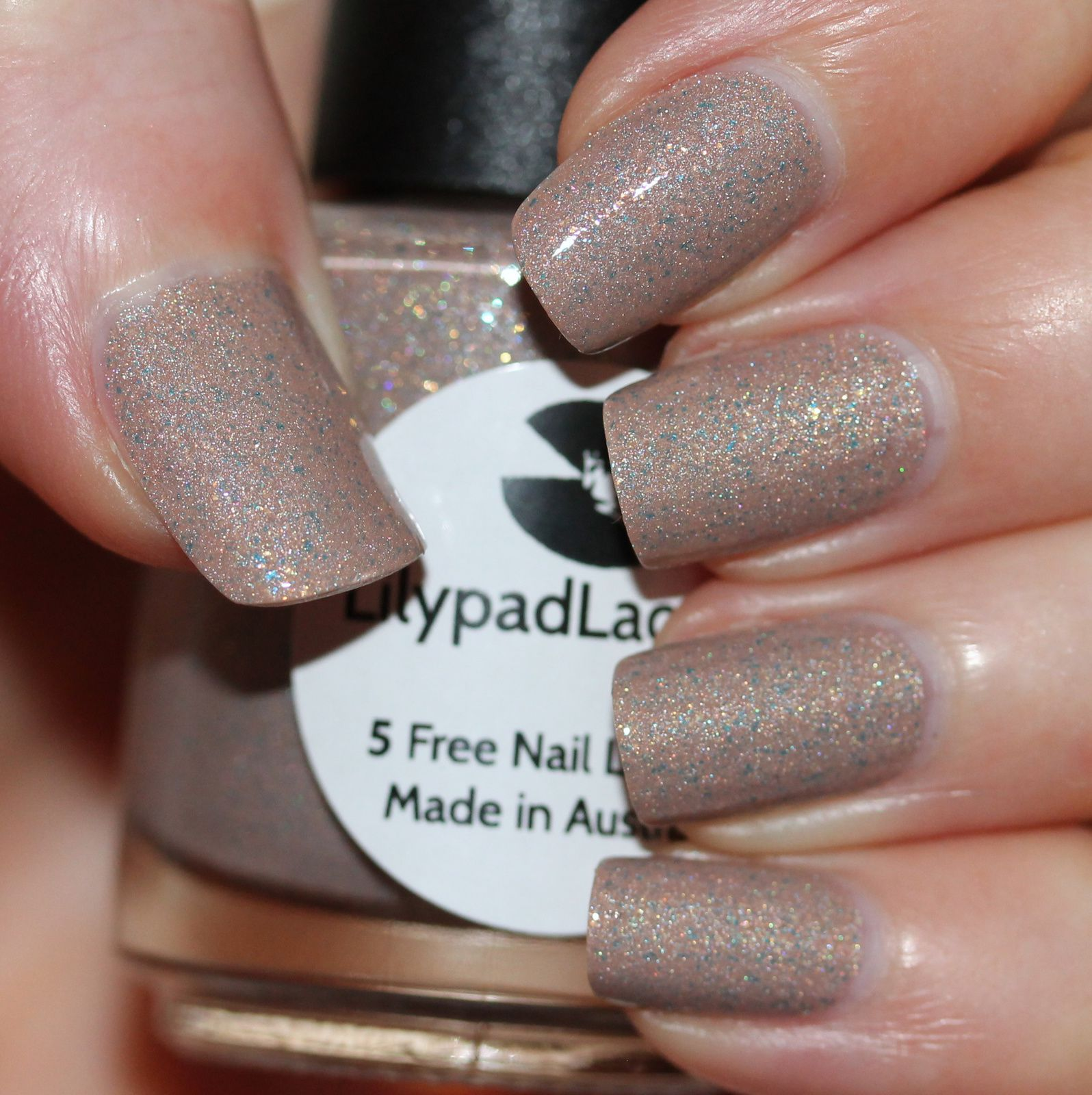 Lilypad Lacquer Free Spirit (2 coats, 1 coat of top coat)