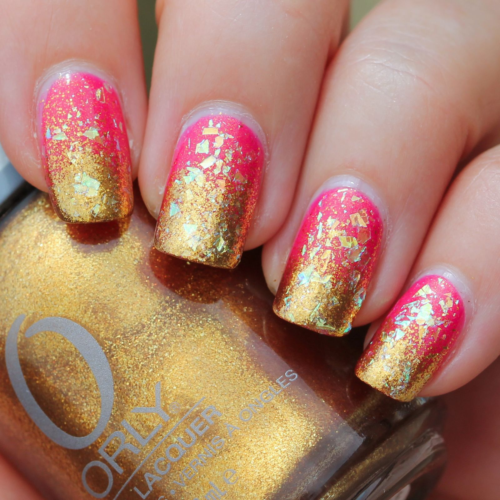 Duri Rejuvacote / China Glaze Strawberry Fields / Orly Glitz & Glamour sponge gradient / Revlon Cosmic Flakies / Sally Hansen Miracle Gel Top Coat
