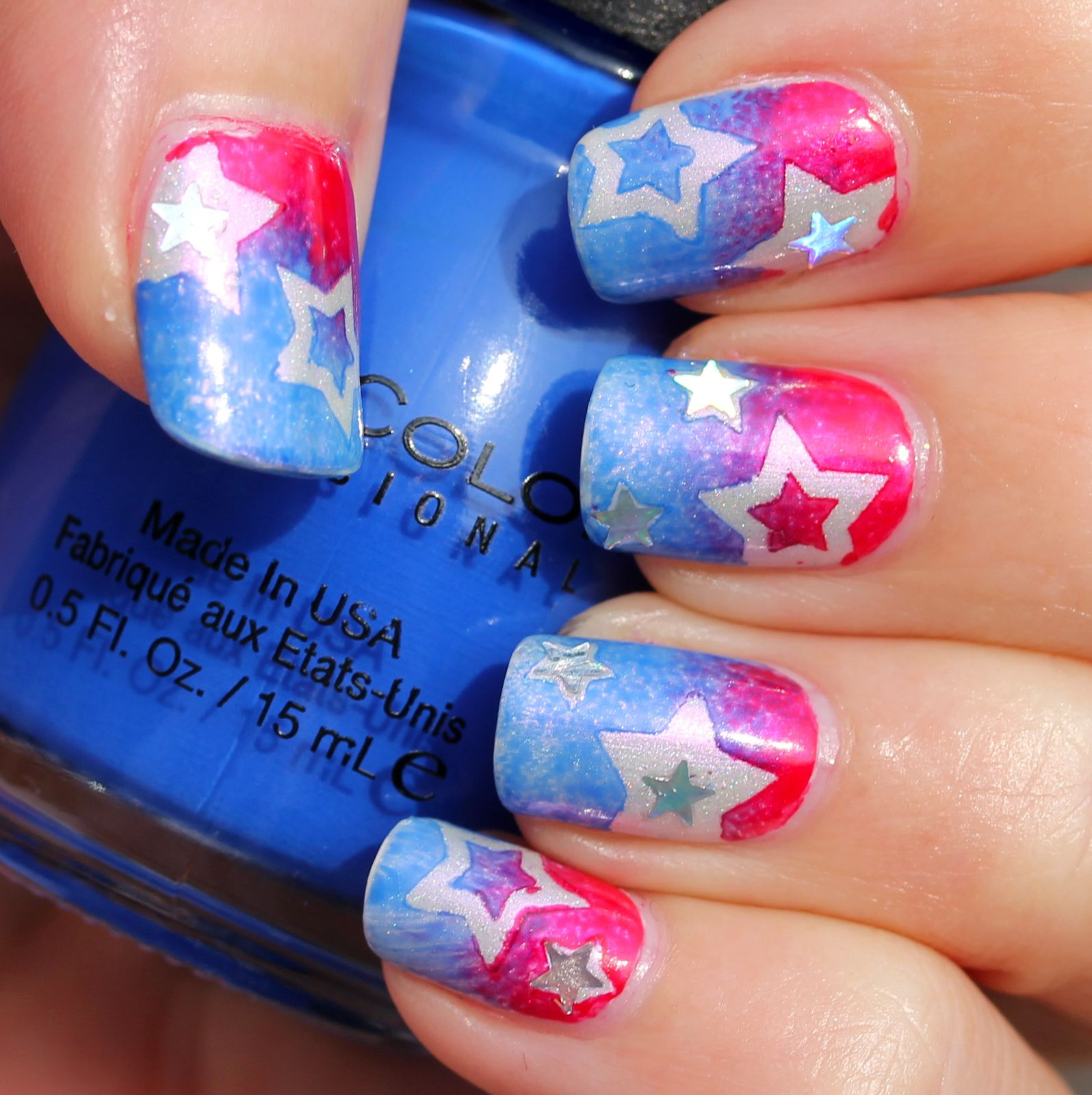 Duri Rejuvacote / Essie Marshmallow / XOXO Nail Candy Sitting on a Fluffy Cloud / Star shaped Stencils / Sinful Colors Endless Blue / Yves Rocher Prussian Red / Wet'n Wild The Star of The Show / Poshe Top Coat