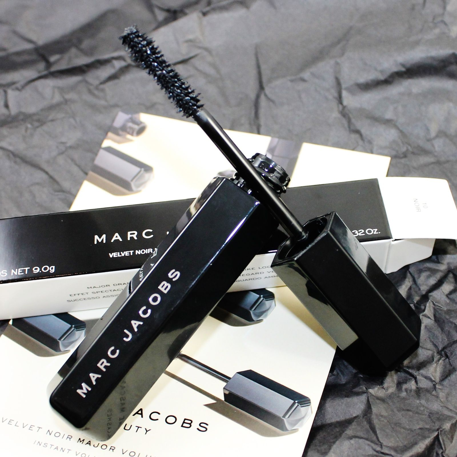 Influenster &amp&#x3B; Marc Jacobs Beauty Velvet Noir Major Volume Mascara VoxBox