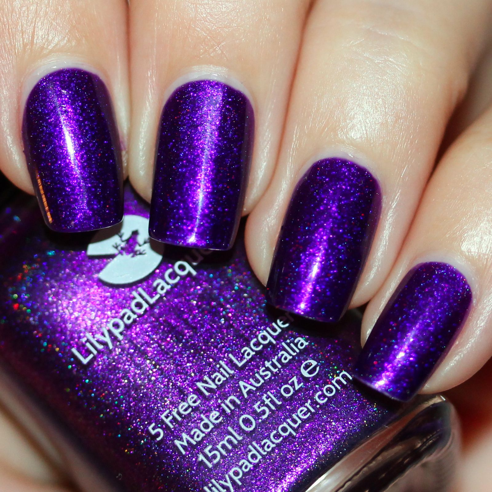 Sally Hansen Complete Care 4-in-1 Extra Moisturizing Nail Treatment / Lilypad Lacquer Halloween 2016 / Poshe Top Coat