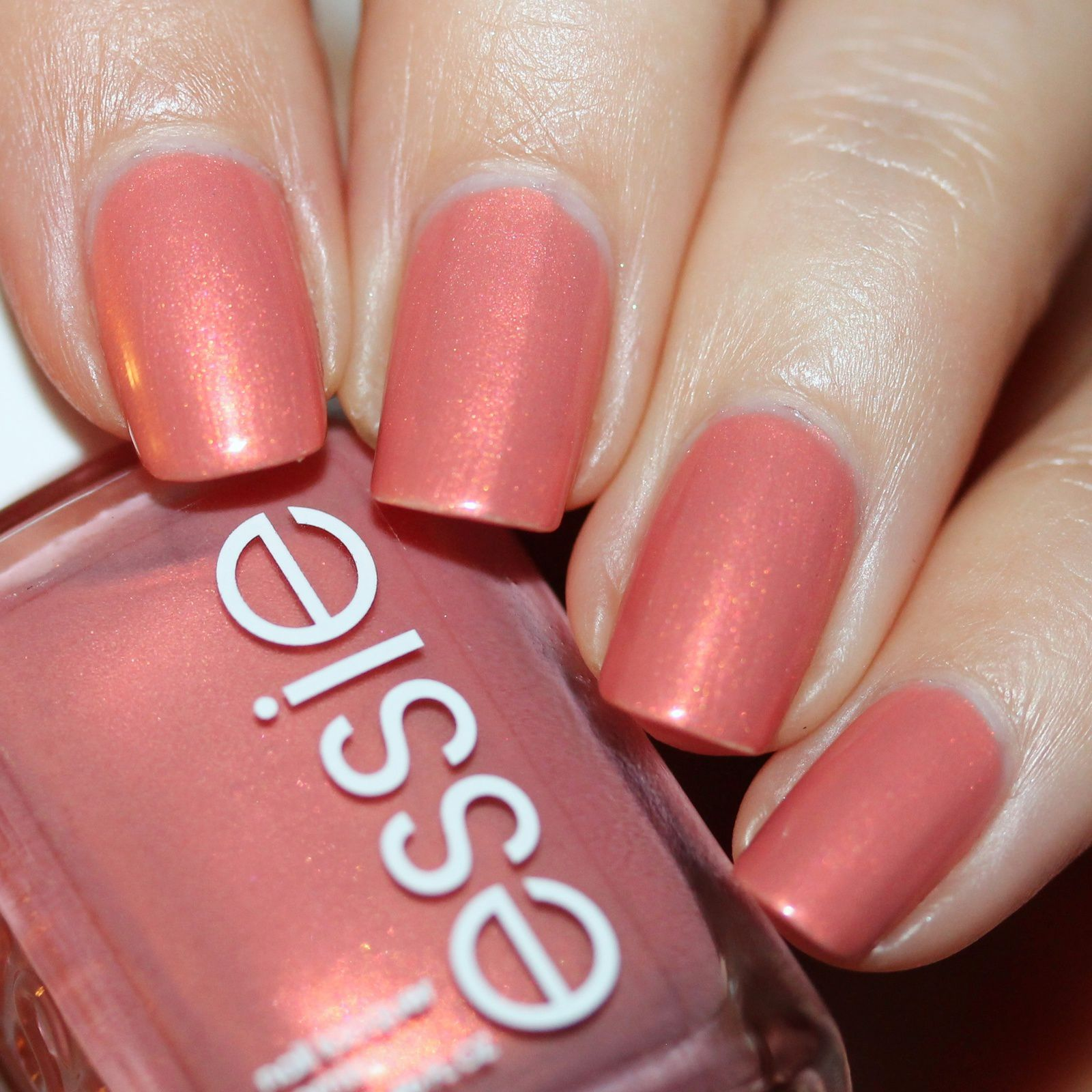 Sally Hansen Complete Care 4-in-1 Extra Moisturizing Nail Treatment / Essie Oh Behave! / Poshe Top Coat