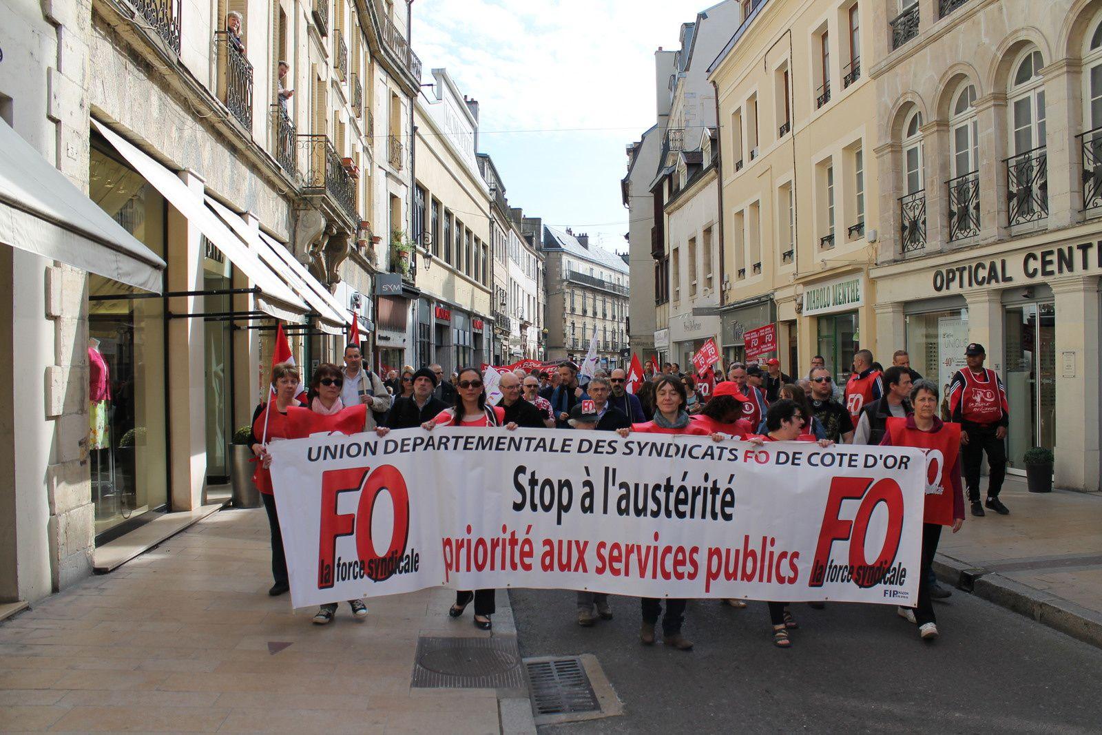 Manifestation hier à Dijon pour dire « non » au pacte de responsabilité