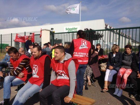 Longvic : les salariés de Schneider Electric bloquent l'usine