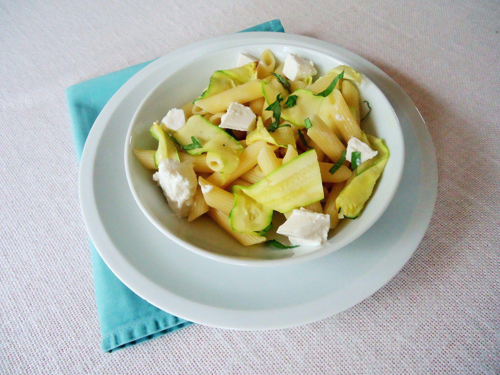 Salade de pâtes à la ricotta et aux courgettes