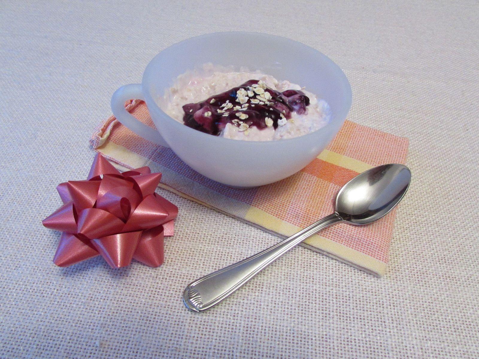 Porridge au yaourt et à la confiture