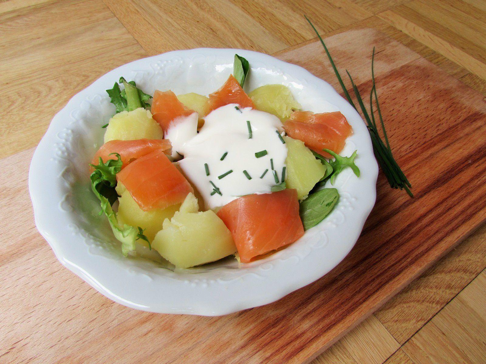 Salade de pommes de terre, truite fumée &amp&#x3B; crème légère