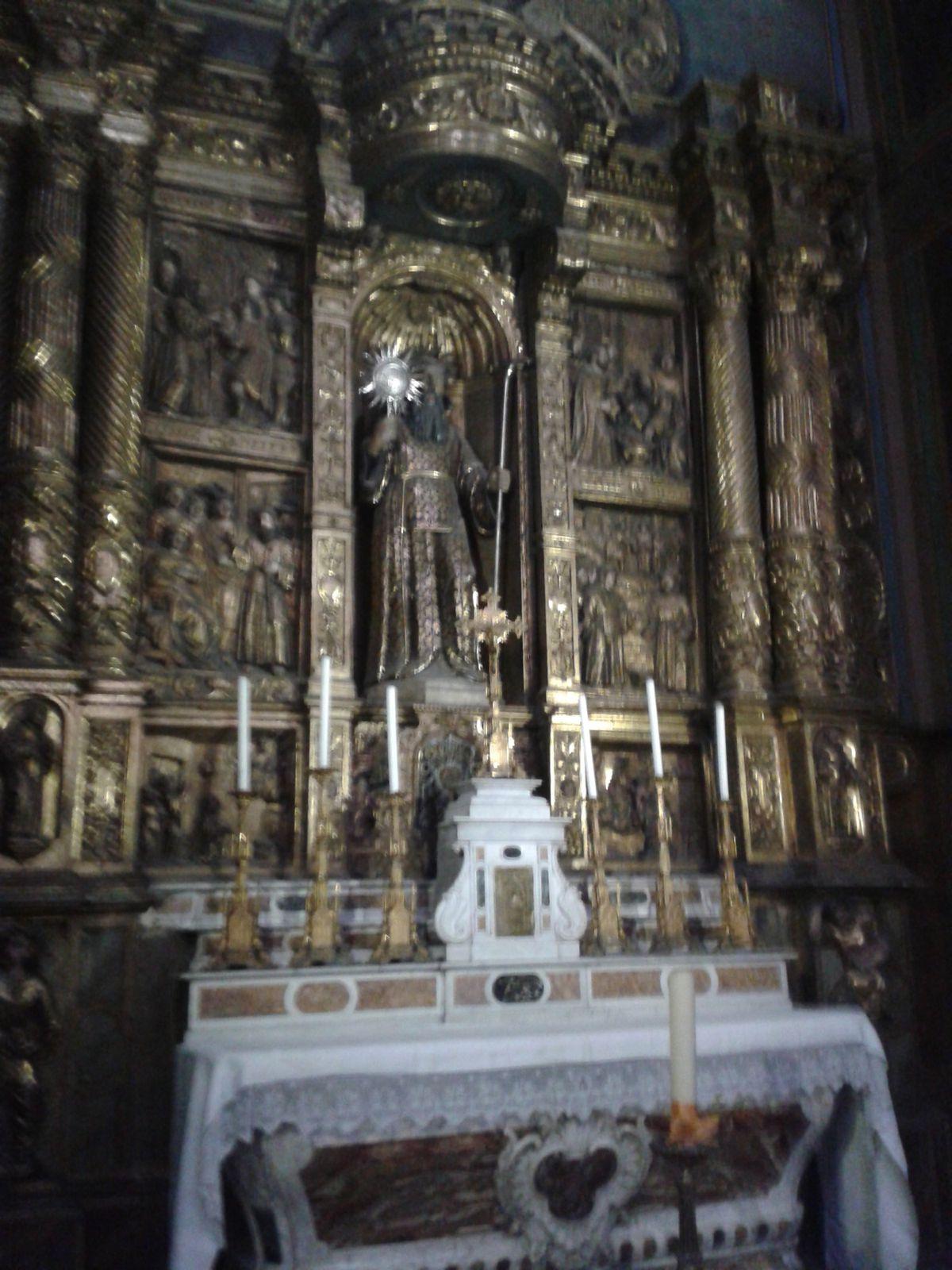 Rétable de la chapelle St François de Paule dans la Cathédrale  St Jean Baptiste de Perpignan