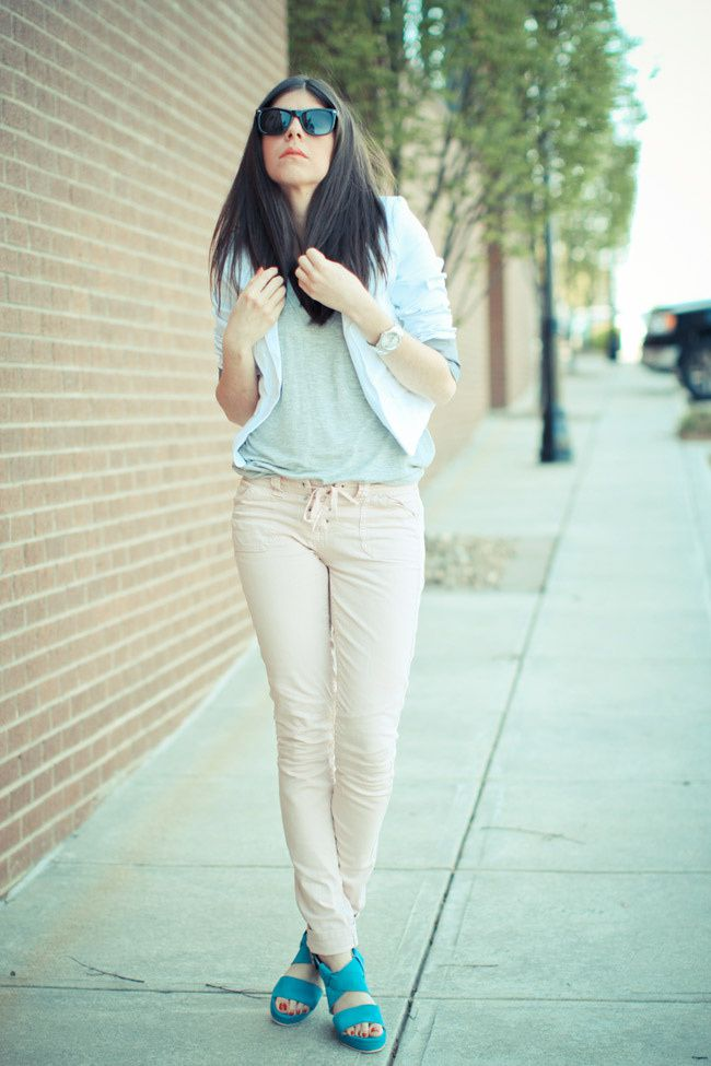 Alexander Wang Fashion, Asos Pink Lace-Up Isabel Marant Jeans, Blue shoes, White blazer
