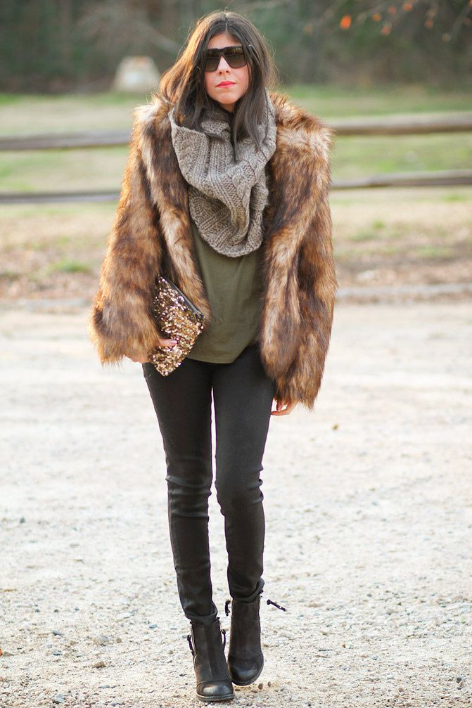 Stylemint Mulholland T Shirt, Chanel, Marc Jacobs gold watch, Topshop ambush boots, Faux Fur, Fashion Outfit,