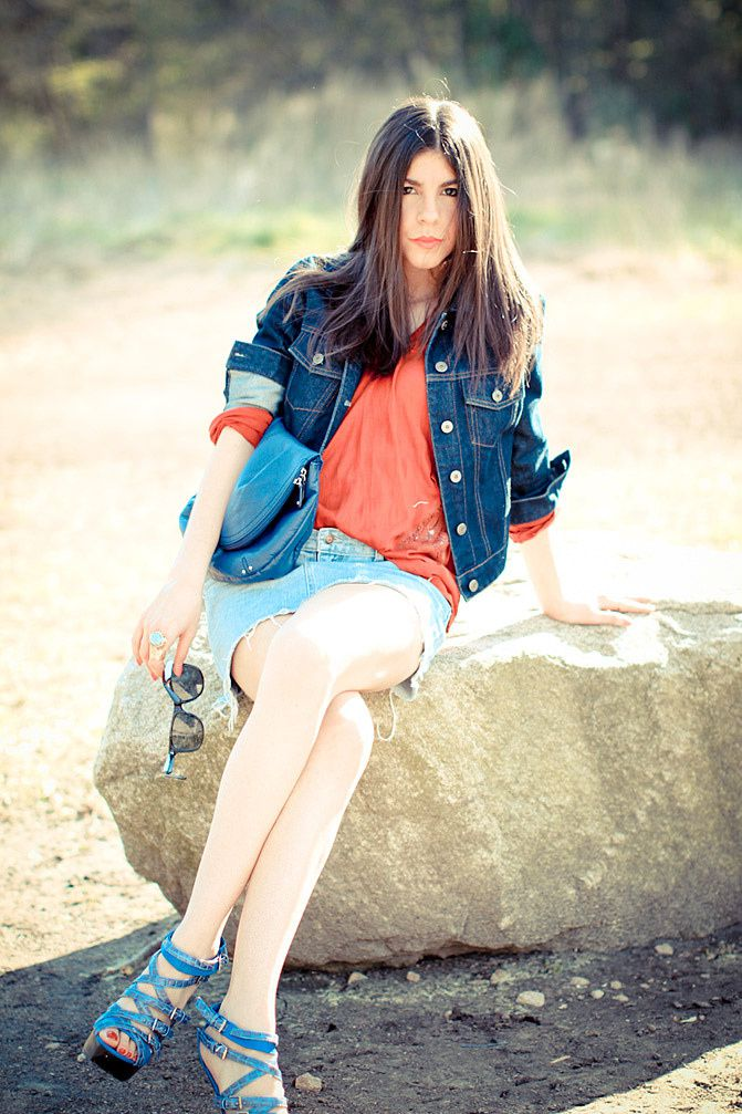 h and m, ray ban wayfarer, gap, diy denim skirt, fashion, outfit, go jane shoes
