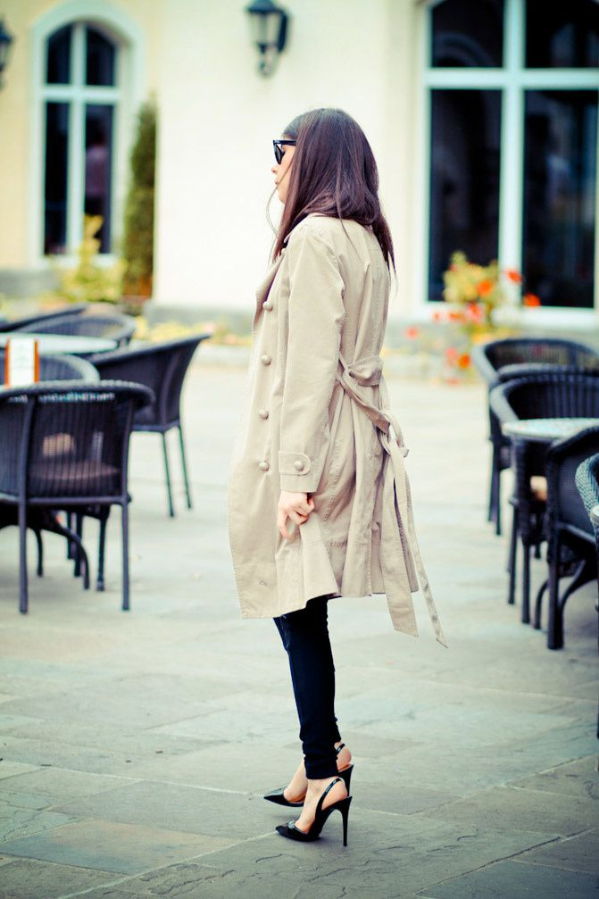 Marc Jacobs trench coat, Stella McCartney heels, Fashion outfit, Neon style