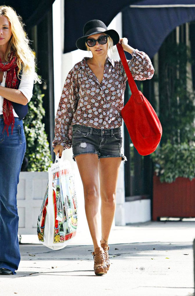 quot style icon quot nicole richie fashion chalet by erika marie