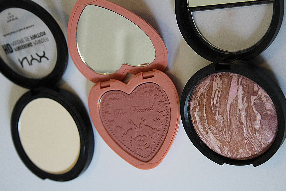 BEAUTY | Current Favorites in Polish &amp&#x3B; Powders