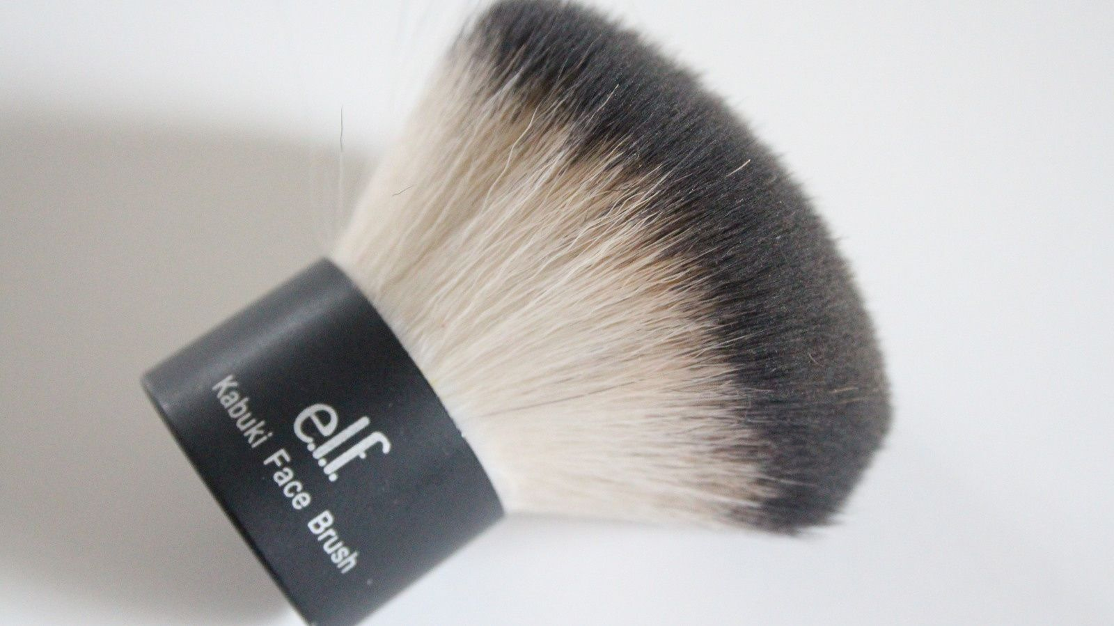 HOLY GRAIL MAKEUP BRUSHES | Drugstore &amp&#x3B; High End