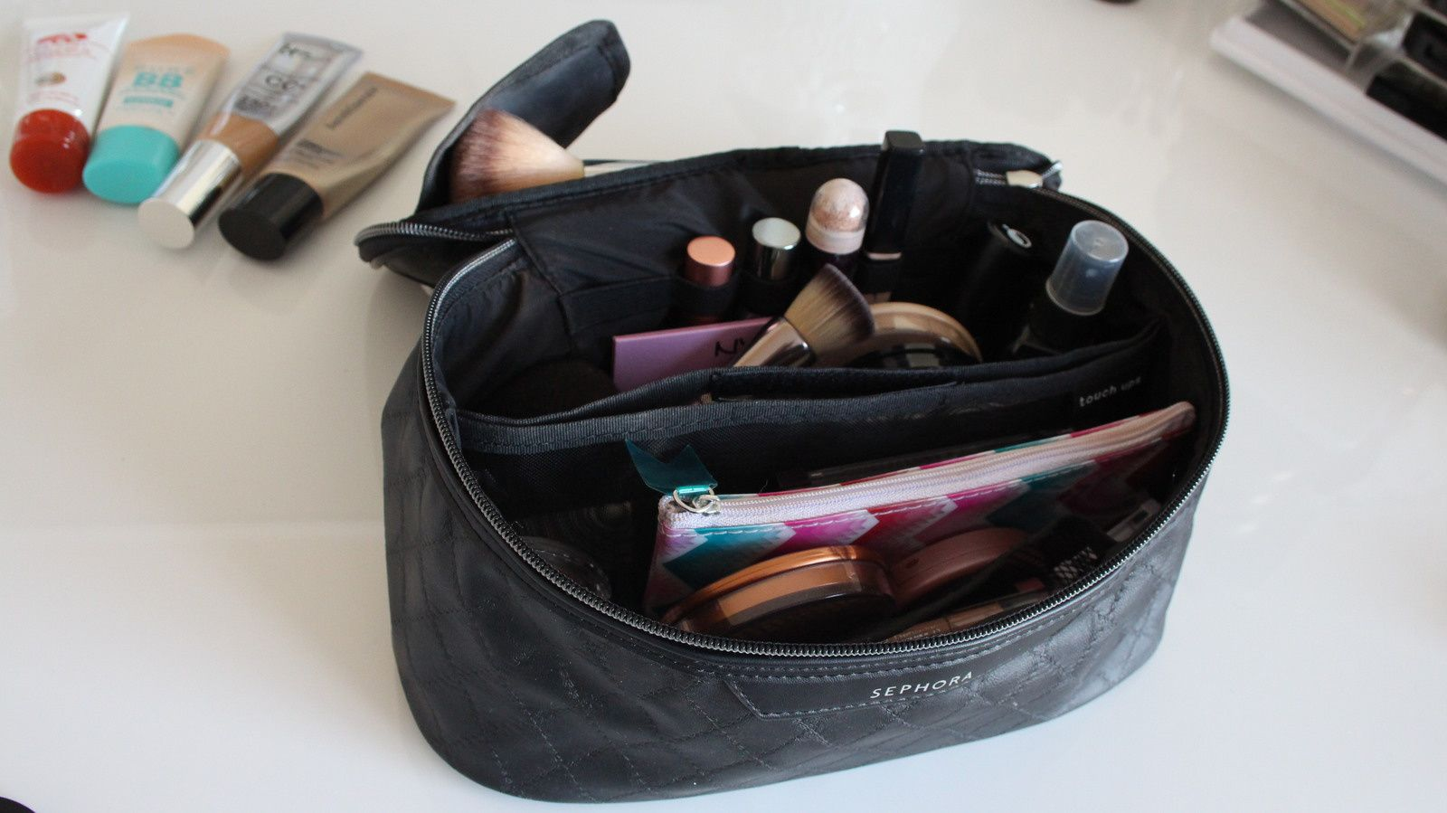 What's In My TRAVEL Makeup Bag? 2017