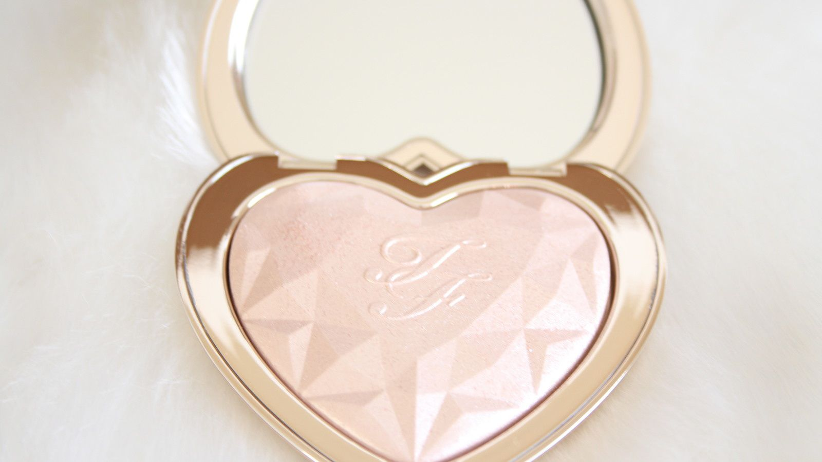 HIT or MISS? Too Faced Love Light Prismatic Highlighters 2017
