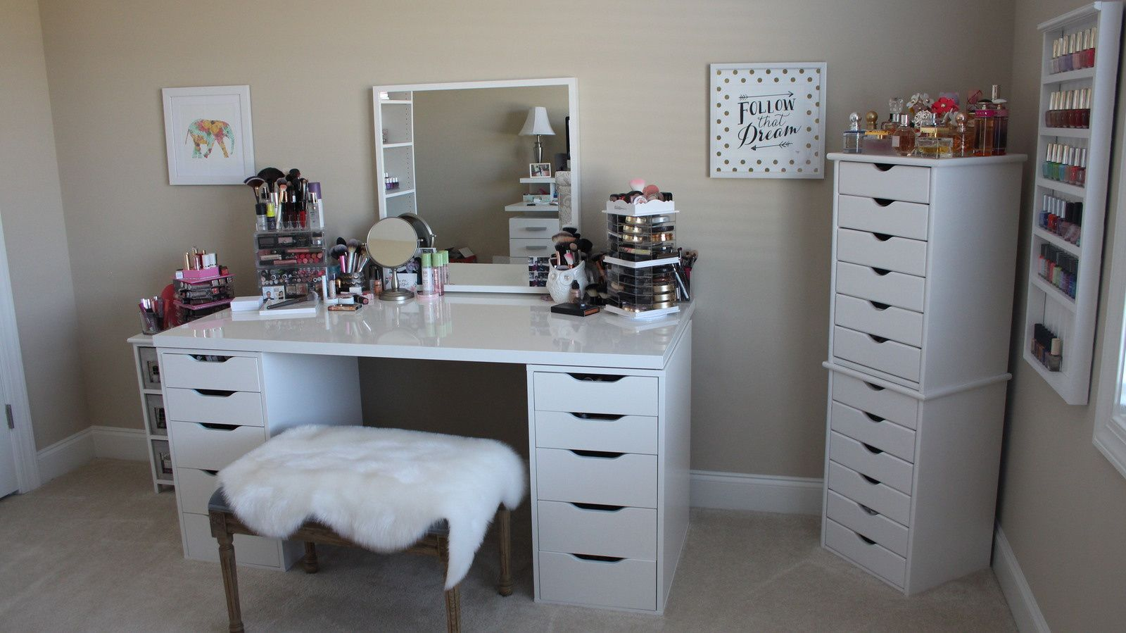 DIY Beauty Room Vanity