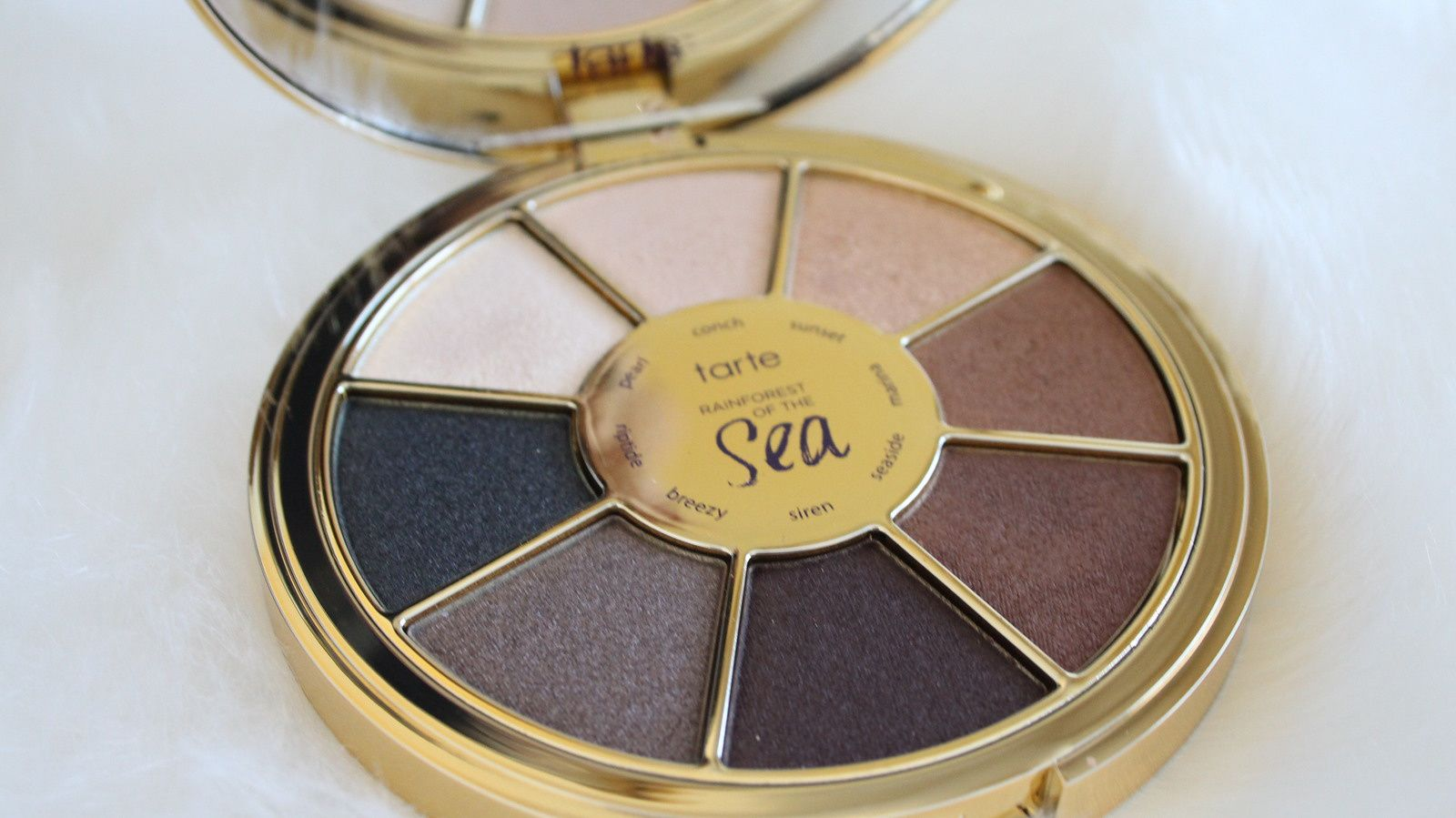 Currently Obsessing Over Tarte Rainforest of the Sea Eyeshadow Palette