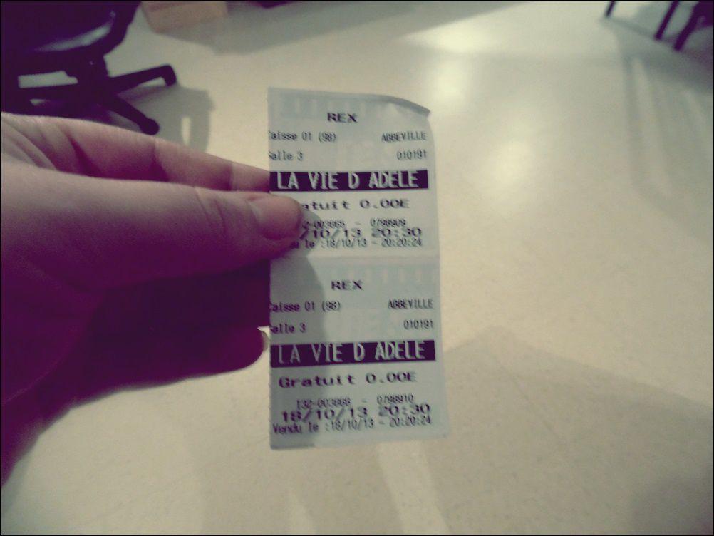 """Vendredi : J'ai reçu deux places de cinéma pour voir """"La vie d'Adèle."""" Donc petite soirée ciné."""