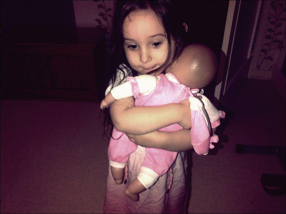 Ma fille à déjà l'instinct maternel !!