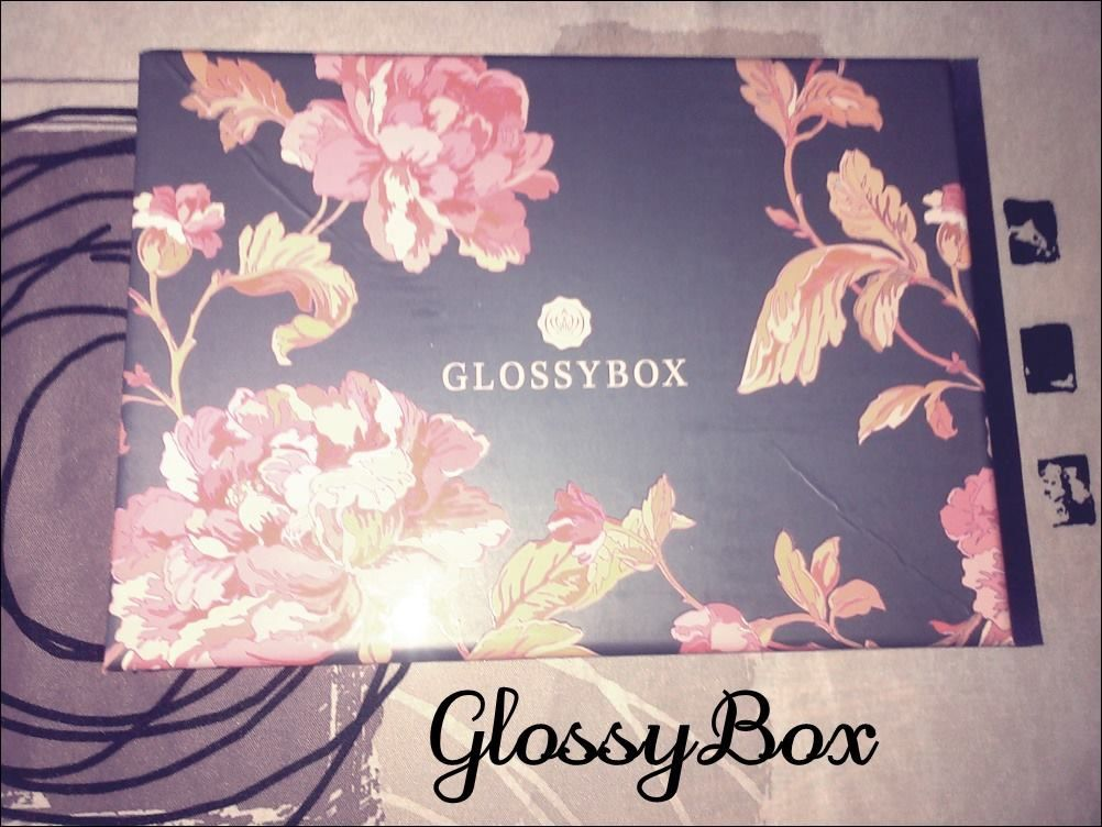 glossybox j 39 ai test pour vous petite mam. Black Bedroom Furniture Sets. Home Design Ideas