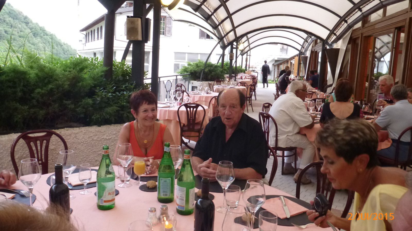 L' Hotel Ristorante Lago Bin qui se trouve à Rocchetta Nervina, immergé dans la nature luxuriante ligurienne .