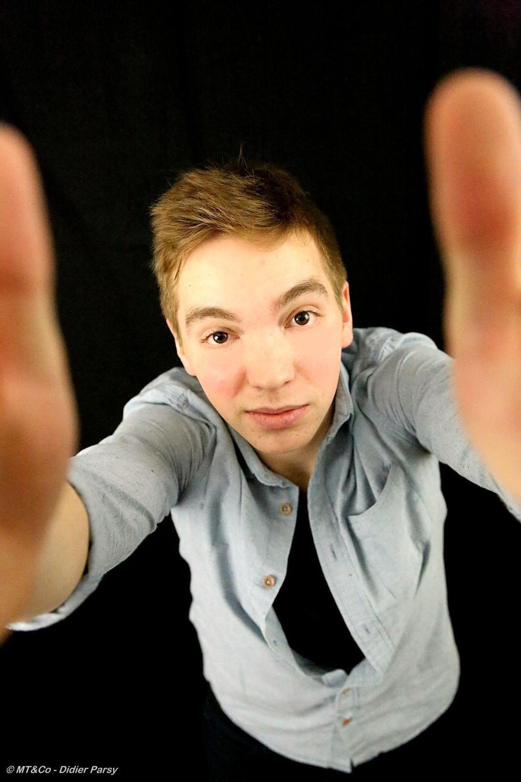 Adrien B. - shooting &quot&#x3B;funny pics&quot&#x3B;