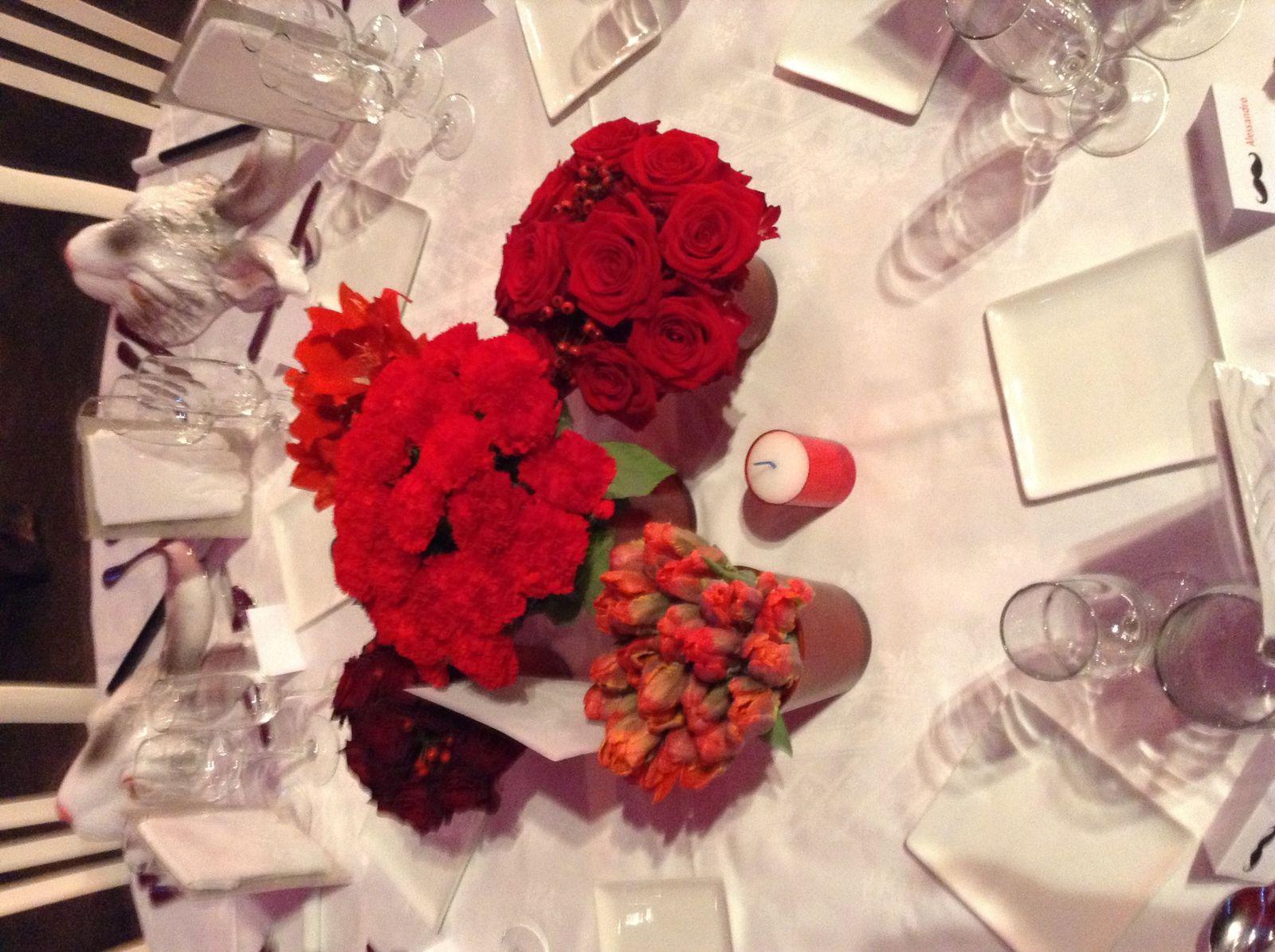 Un mariage rouge sous un chapiteau rouge... Magique