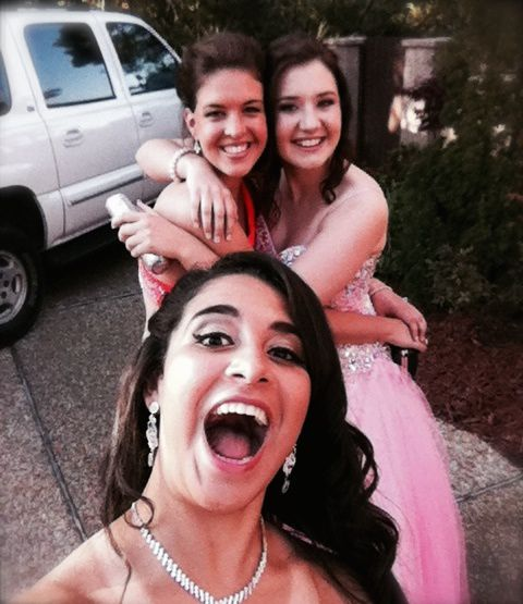 Prom pictures with Helena, Marit and Myra!  And an awesome selfie!