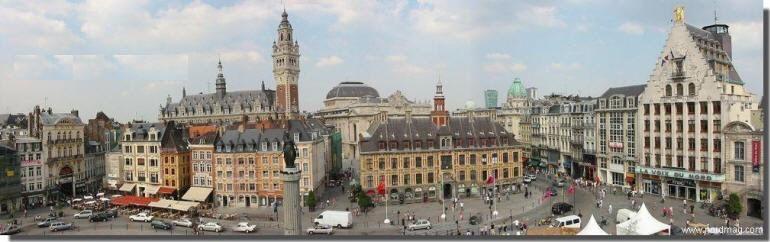 Rebaptisée aussi Place du Général de Gaulle