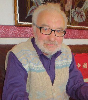A Michel, membre du bureau du club du P'tit Quinquin, qui a eu 80 ans le 7 février 2014.