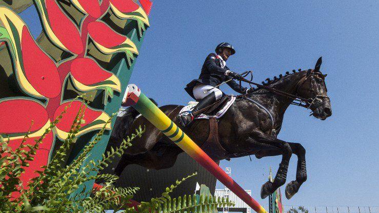 A cheval, de ROUBAIX à RIO  ( N° 1452 )