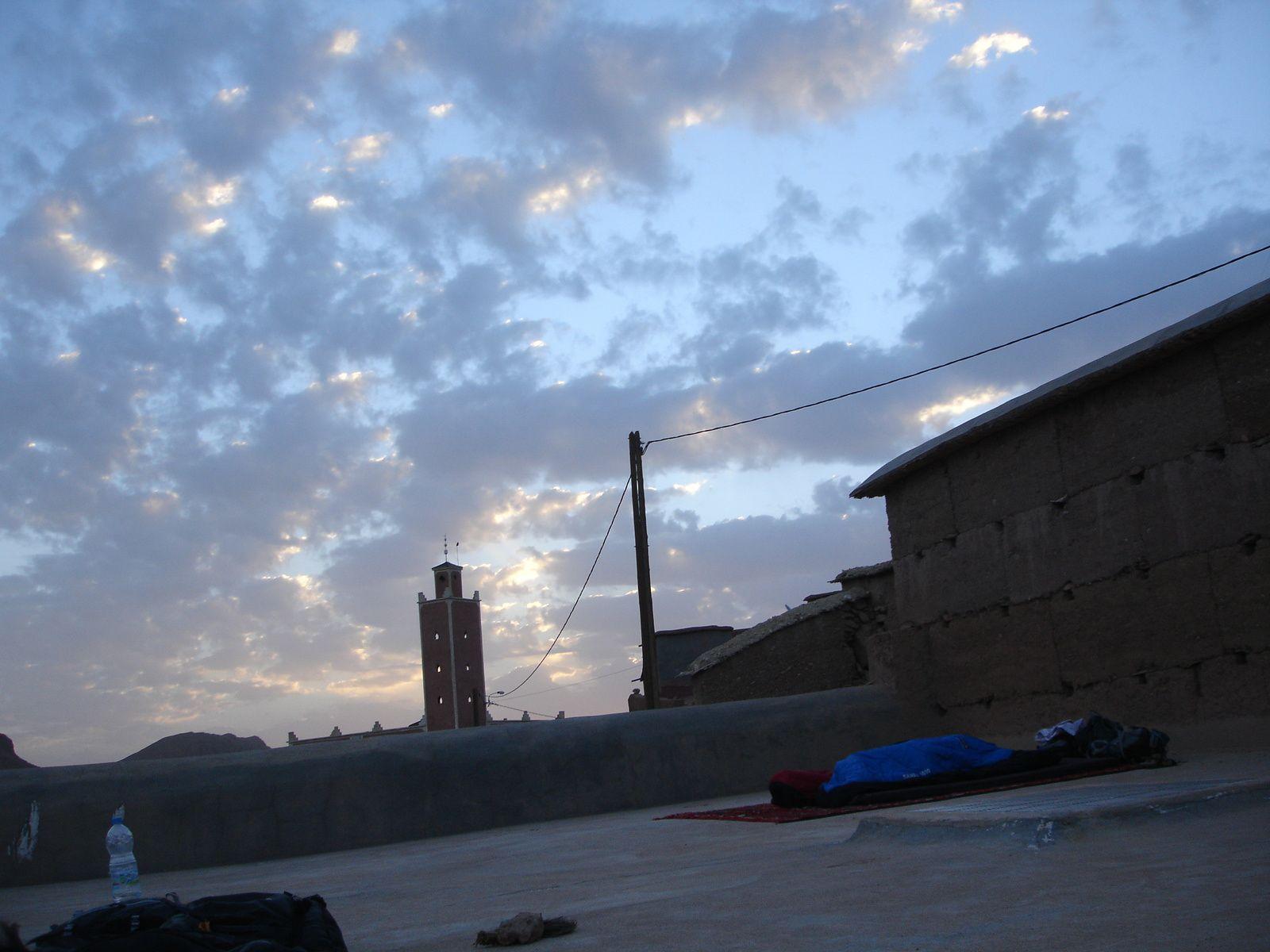 lever de soleil sur fond de mosquée