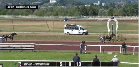 Divonne, Aurure Phils s'impose à 7€10........donné en 2 chevaux