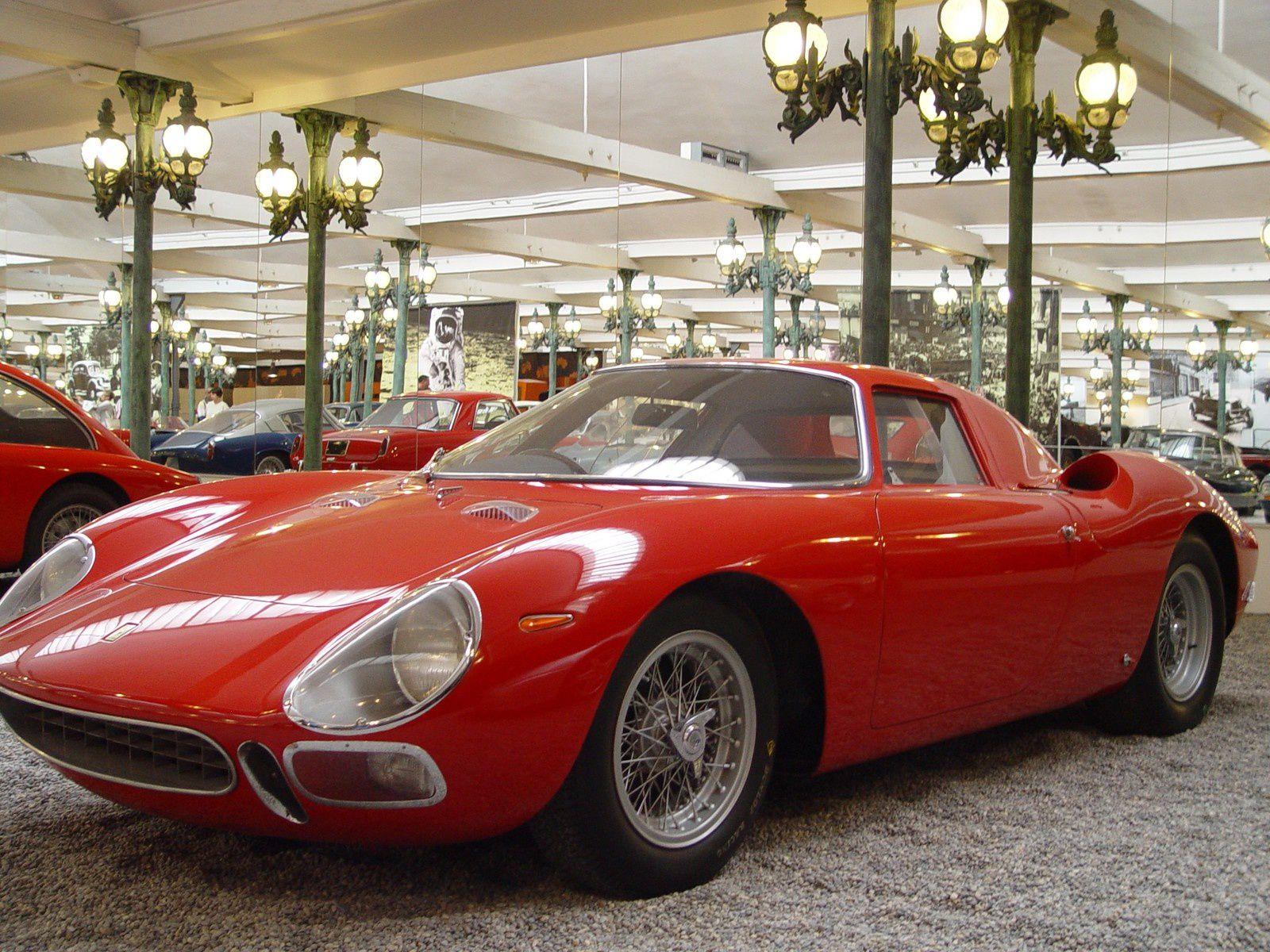… enfin beaucoup quand même (coupé 250 LM – 1964 - 12 cylindres - 320 CV)