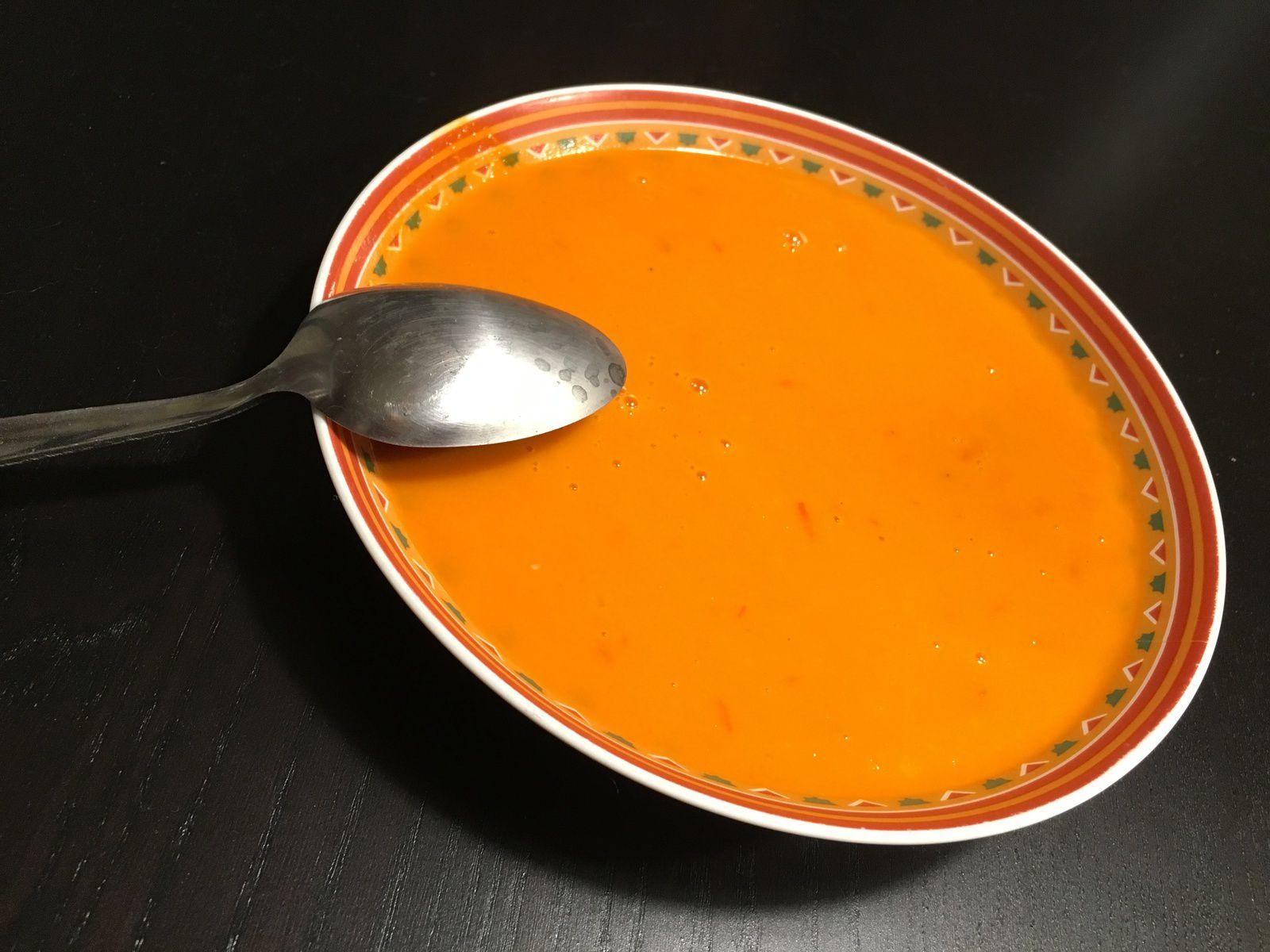 La soupe tomates-coco façon Thaï