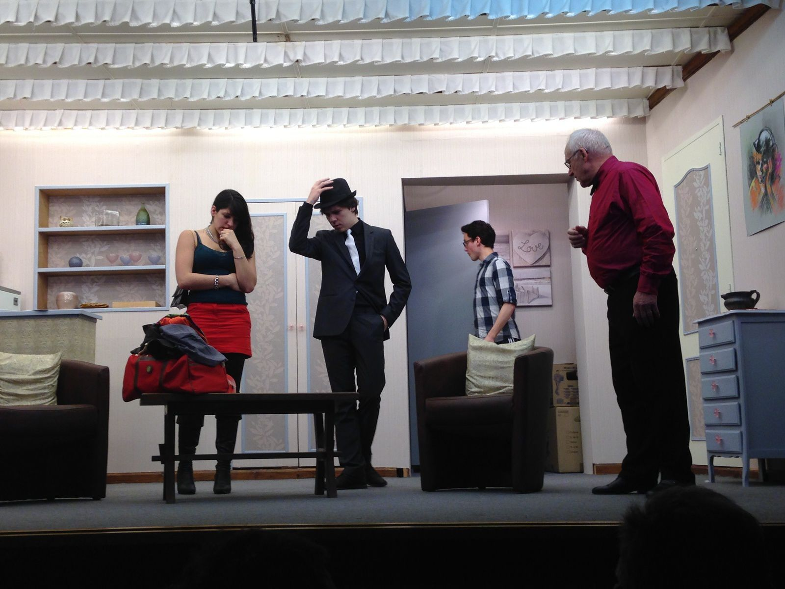 """Hoymille, 20h00 : présence avec mon épouse à la pièce de théâtre proposée par """"Les Tréteaux Hoymillois"""""""