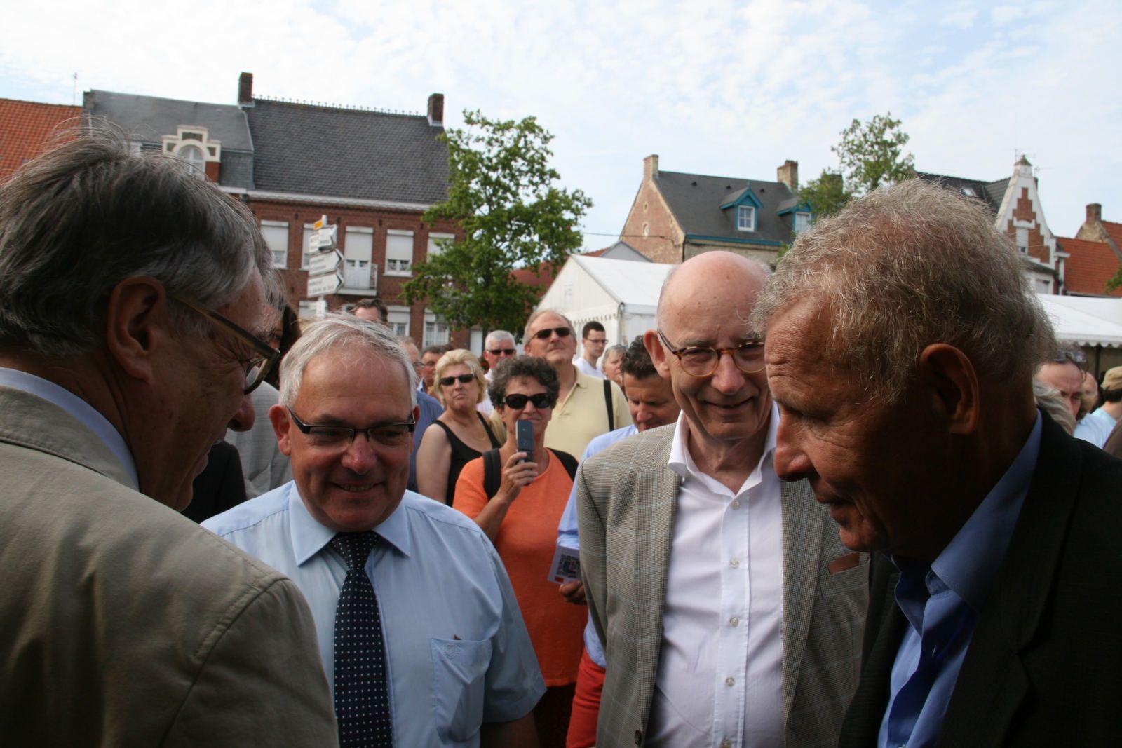 Wormhout : inauguration de la boucherie-charcuterie artisanale Rohart, Esquelbecq : inauguration de la 9ème Nuit du Livre avec PPDA, Volckerinckhove : participation à la randonnée de 9.5 km, Quaëdypre : ducasse.
