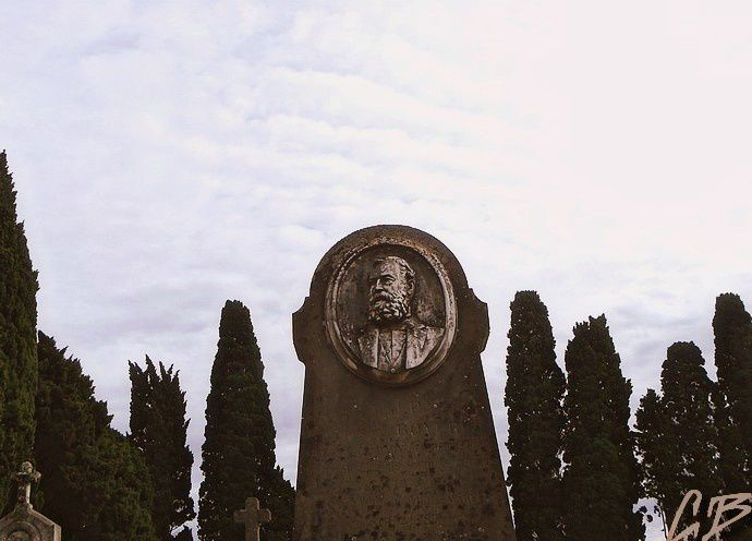Recueillement à Villasavary Aude