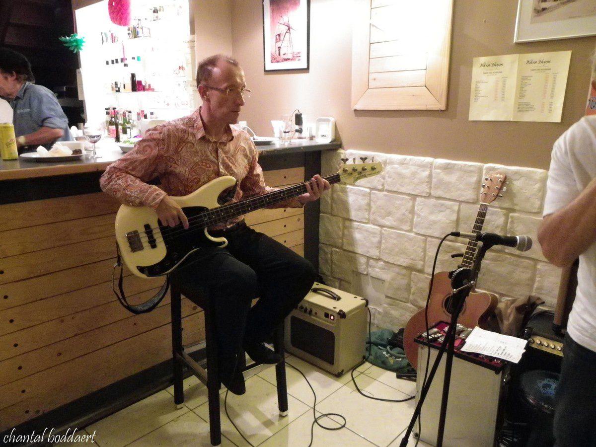 Philippe DORE, guitare basse