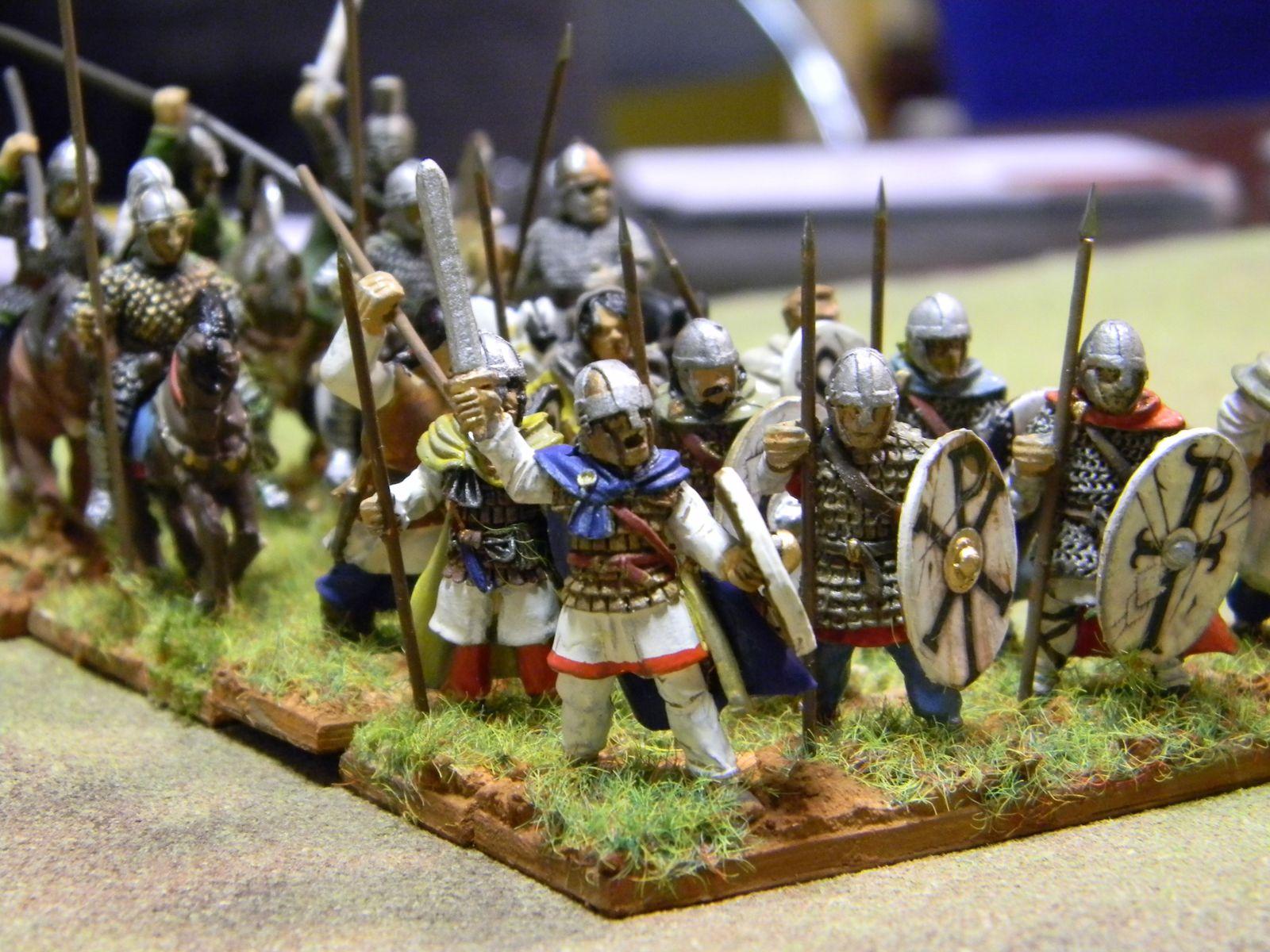 Les bretons se déploient. L'avant-garde de soldats professionnels essaye de faire bonne figure, et de cacher le fait que l'essentiel de l'armée est composée de paysans terrorisés.