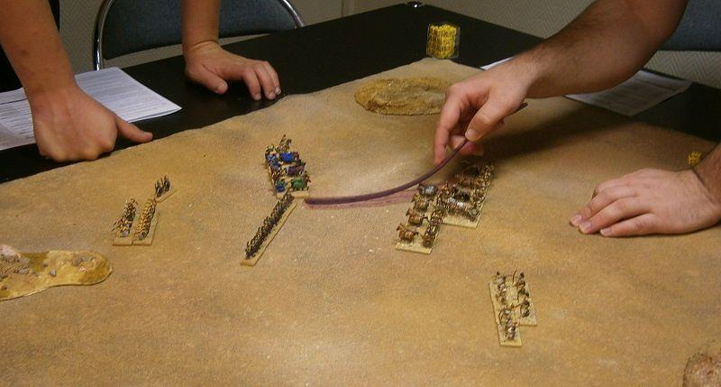 Mais les chars du Mitanni se sont déployés et contre-attaquent