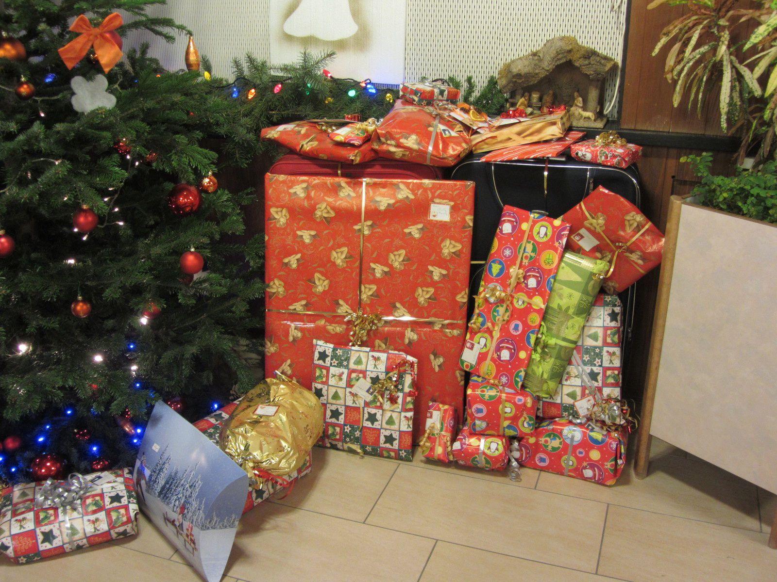 et en décembre, on se réjouit des cadeaux disposés sous le sapin....